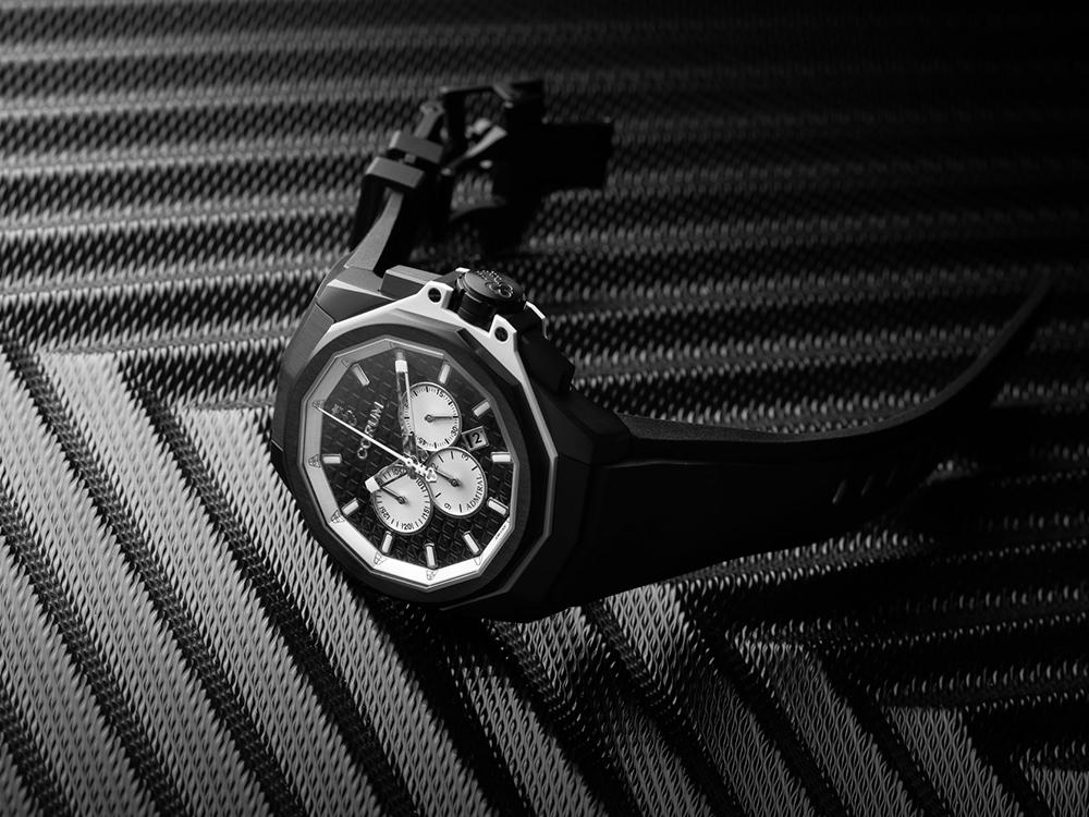 Corum Admiral AC-One 45 Chronograph. Mostrador preto e caixa em titânio com tratamento PVD preto. © Corum