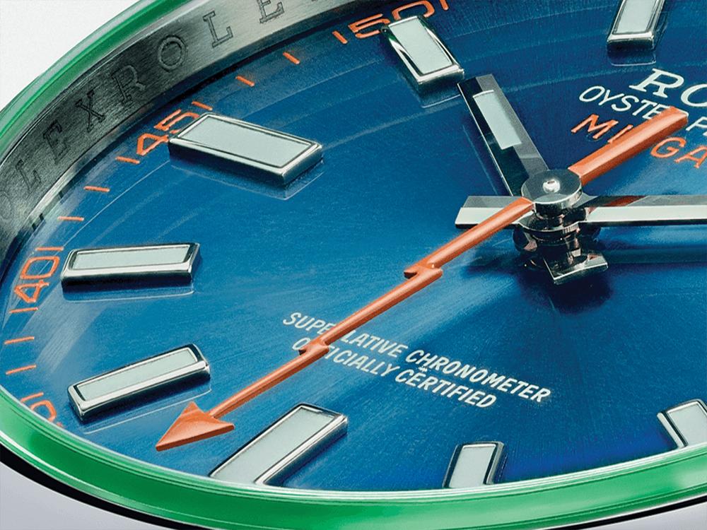 A forma em raio do ponteiro de segundos em cor de laranja do Rolex Milgauss é já uma imagem de marca deste modelo. © Rolex