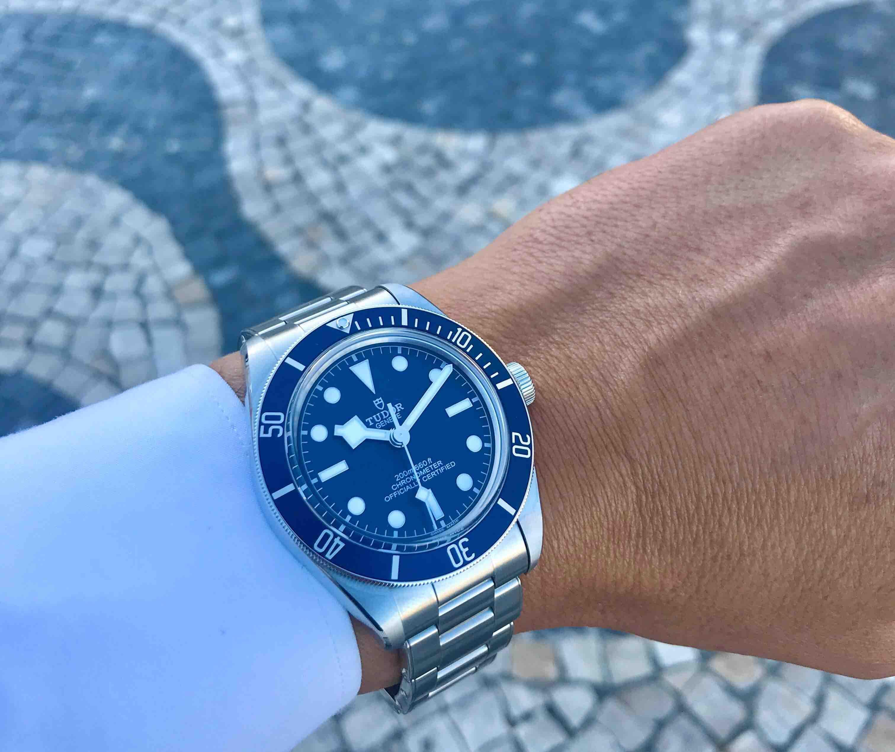 Azul no novo Black Bay Fifty-Eight e na calçada portuguesa © Miguel Seabra/Espiral do Tempo