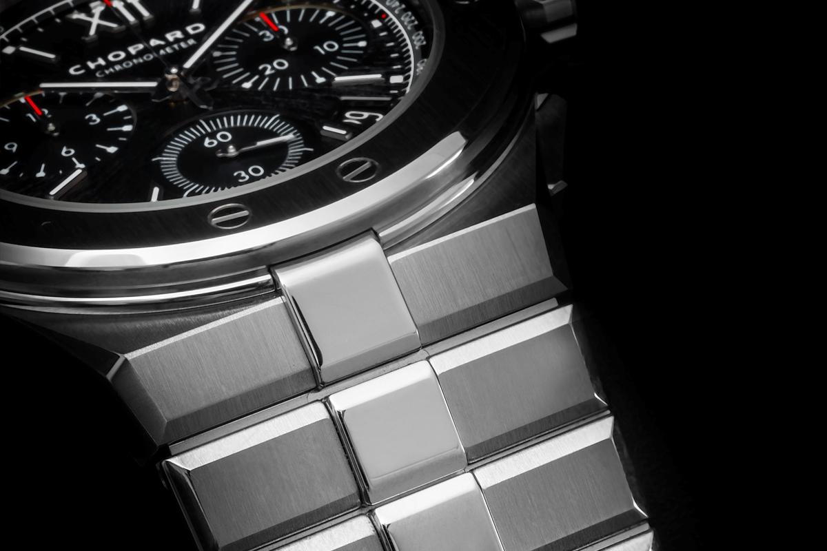 A bracelete assume claro protagonismo na tipologia do design integrado e é primordial na nova linha da Chopard