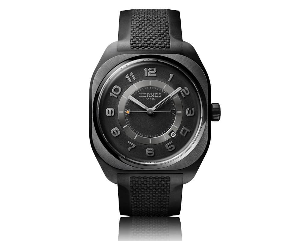 Hermès H08 Watch num fundo branco
