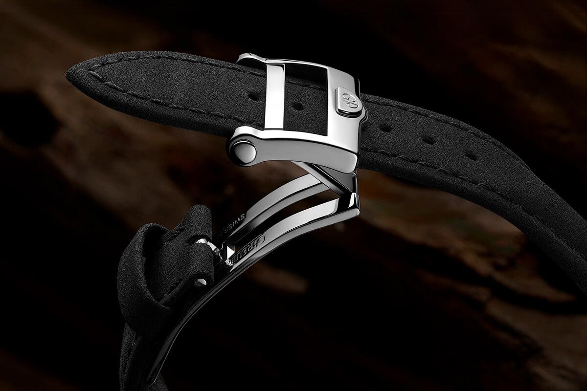Nova bracelete preta à base de plantas da Greubel Forsey com fecho de báscula.