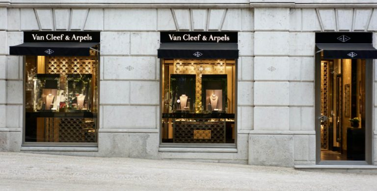 Fachada da nova loja Lisboa Van Cleef & Arpels © Van Cleef & Arpels