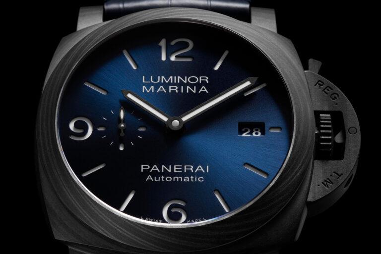 Mostrador azul do Panerai Luminor Marina Carbotech Blu Notte